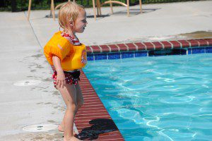 Dear Mom at the Pool | Kansas City Moms Blog
