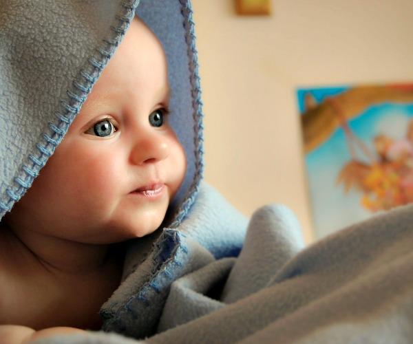 Speaking Physically to Newborns: 3 Tips for Understanding Newborn Behavior