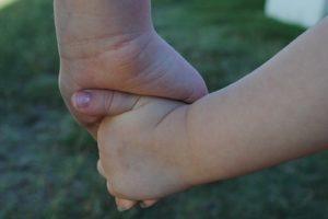 hands-634363_640