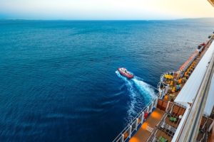 cruise-2034229_640