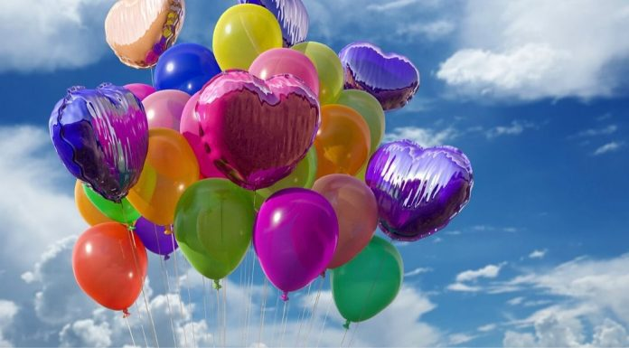 pic of birthday balloons in the sky