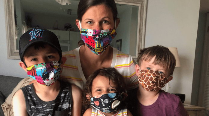 mom and kids wearing Covid-19 masks