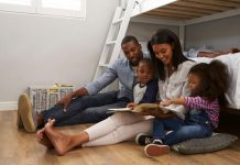 pic of family reading together