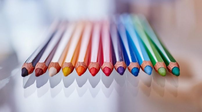 pic of colored pencils