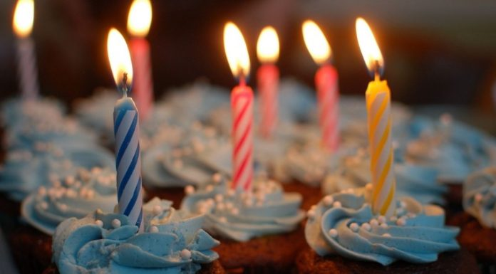 pic of cupcakes with birthday candles