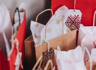 pic of holiday gift bags