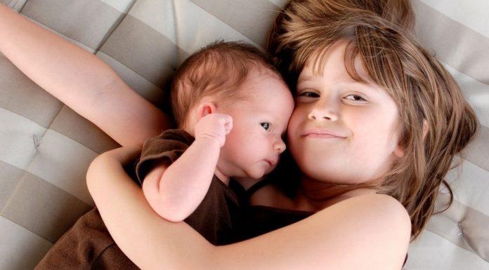 baby and big sister