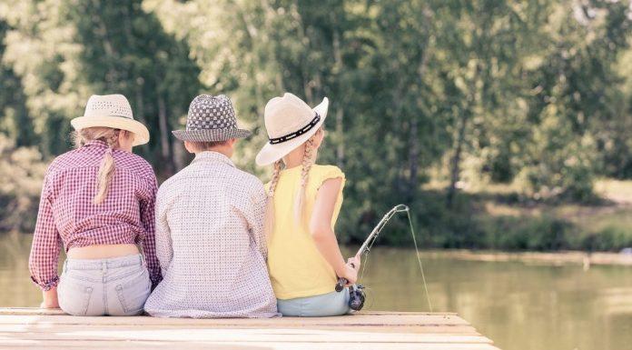 three siblings fishing