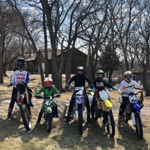 pic of people on dirt bikes